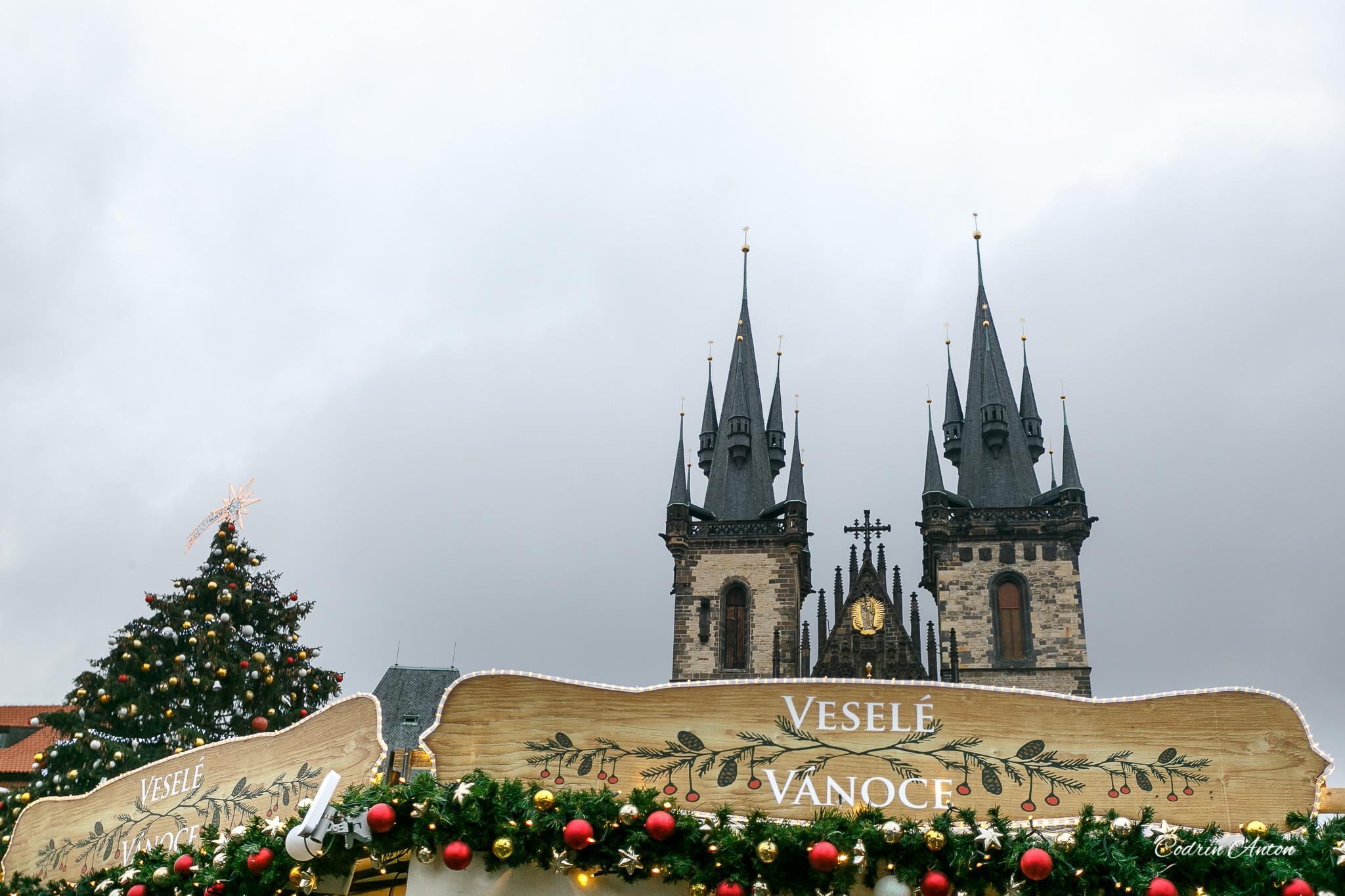 Târguri de Crăciun. Praga—în contratimp cu Moş Crăciun